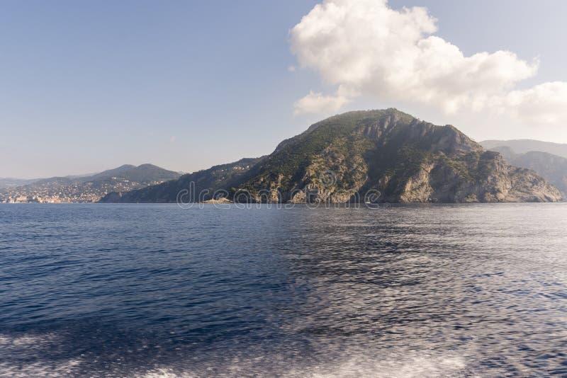 Paysages, maisons et villas sur la mer le long de la c?te de Portofino photo stock