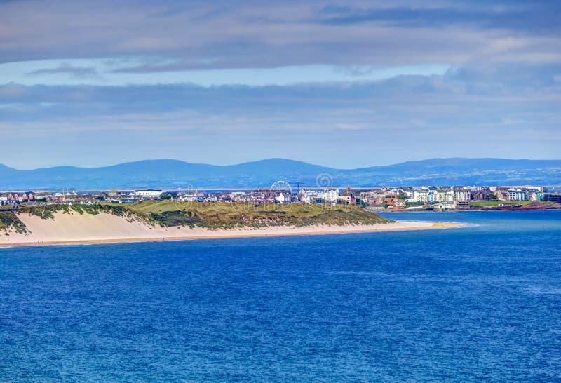 Paysages sur les rives de la Chaussée des Géants en Irlande images stock