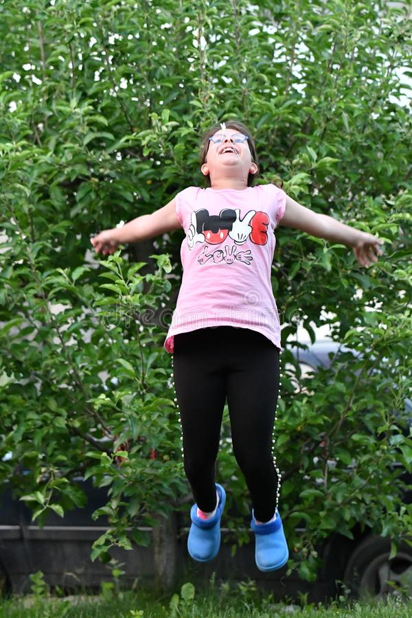 12/05/2018 Pazardzhik Βουλγαρία ευτυχείς νεολαίες κοριτσιών στοκ εικόνες