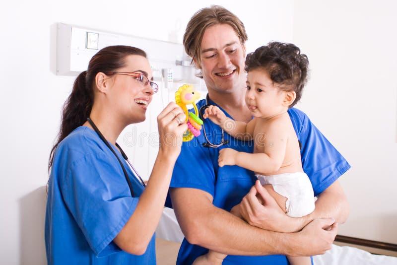 Paziente del bambino e del pediatra fotografia stock