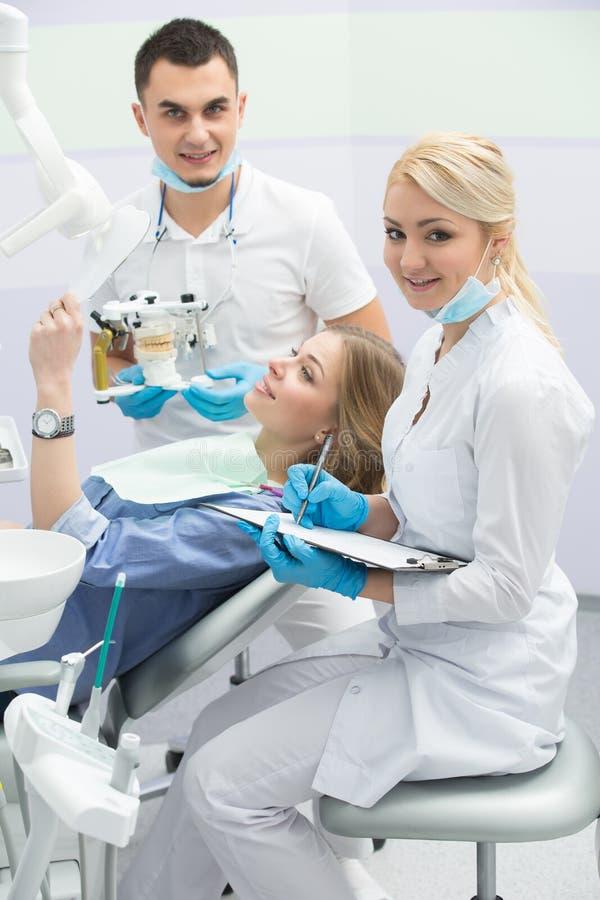 Paziente in odontoiatria fotografia stock