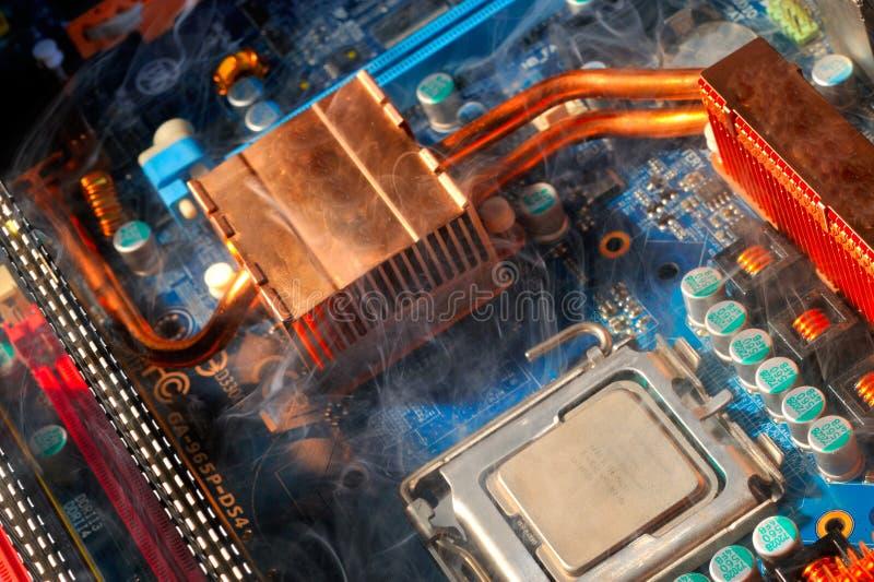 PC électronique endommagé par composant image stock