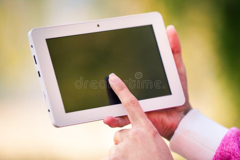 PC de Tableau dans une main photo libre de droits