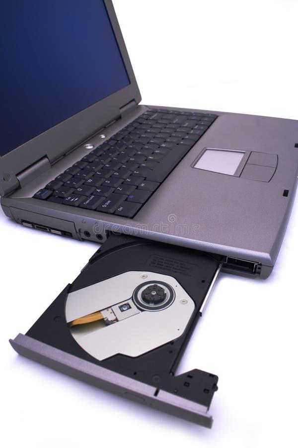 PC del computer portatile con la baia di azionamento aperta fotografia stock
