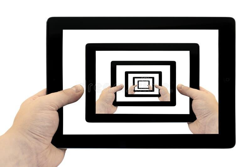 Download PC Della Compressa A Disposizione Avvolto Sullo Schermo Isolato Immagine Stock - Immagine di blank, media: 56891657