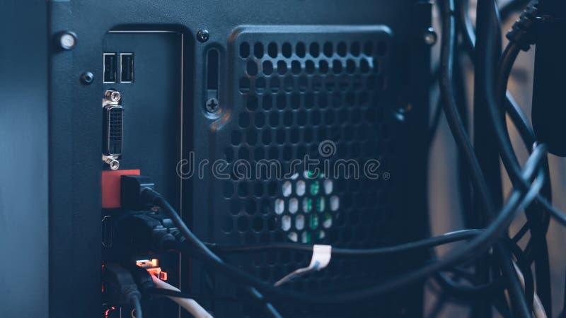 PC-Zentraleinheitswirtsprüfer-Schnittstellendraht lizenzfreies stockfoto