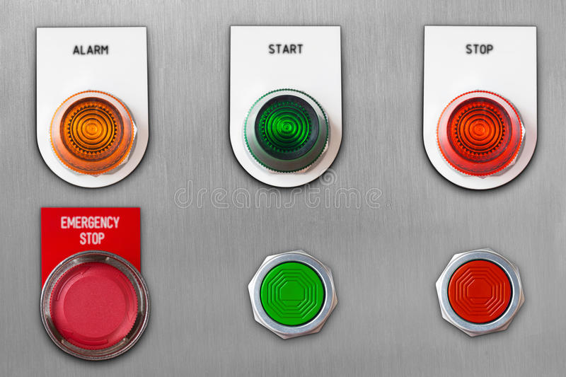 Pchnięcie guzika zmiana z przeciwawaryjnej przerwy i początek przerwy alarma lampy sygnałem na stali nierdzewnej kasetonuje dowci fotografia stock