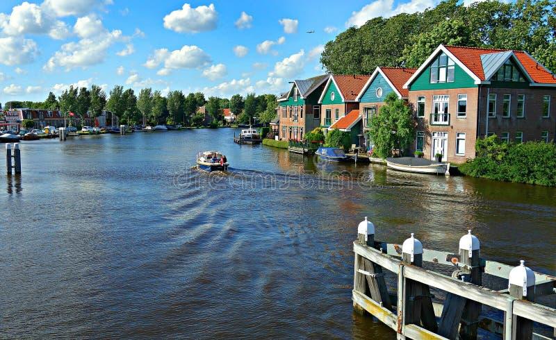 PDD Pixabay - digionbew 11 2-07 Ιουλίου - 16 Amstel που βλέπει από τη γέφυρα πέρα από το Amstel Ouderkerk ΧΑΜΗΛΟ RES DSC03878 στοκ εικόνα