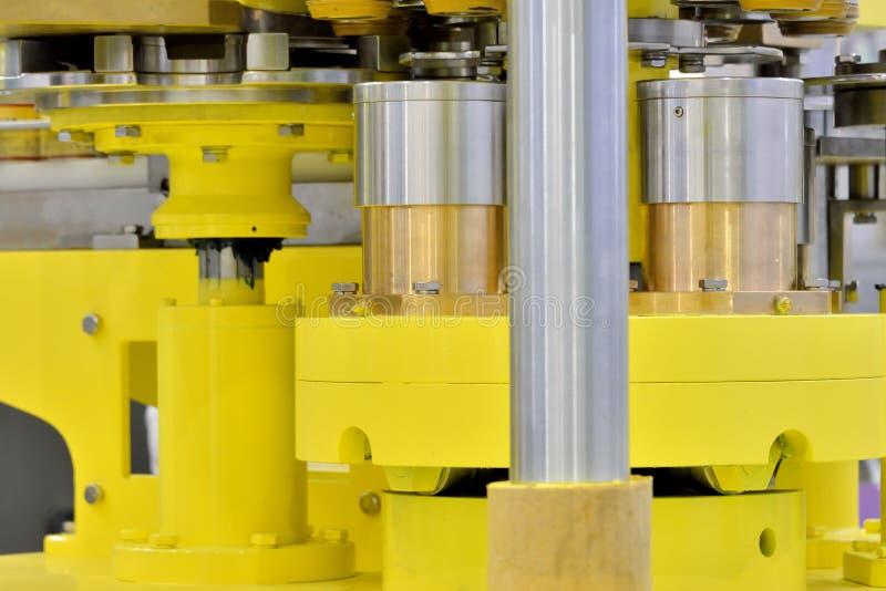 Peça da transmissão do equipamento de fabricação imagens de stock