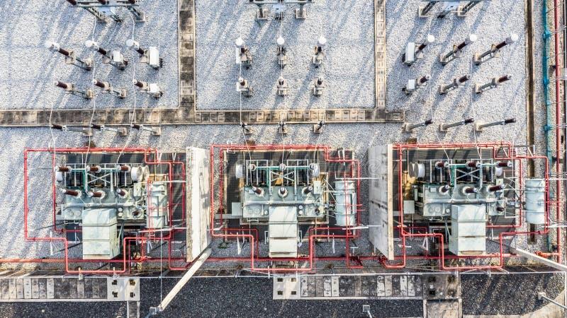 Peça da vista aérea da construção elétrica da engenharia da estação em um central elétrica elétrico fotografia de stock royalty free