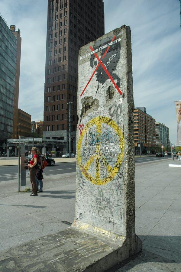 Peça do muro de Berlim imagem de stock