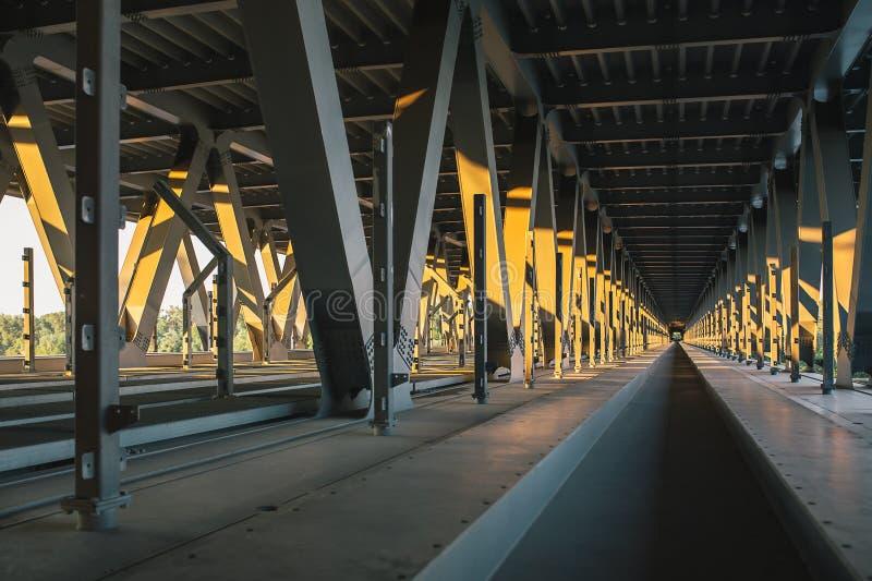 A peça interna da ponte inacabado de Podolsky imagem de stock