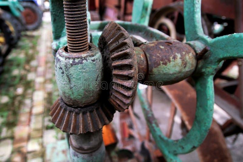 Peça velha oxidada da máquina fotografia de stock royalty free
