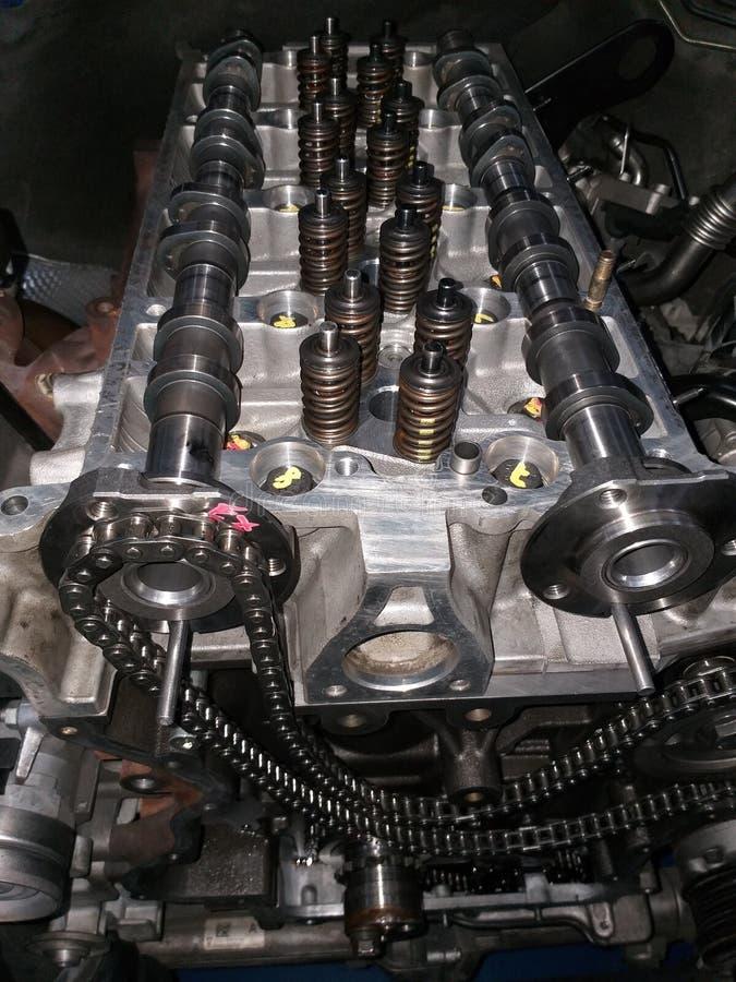Peças de reparo do carro, equipamento do reparo do veículo das ferramentas do reparo do carro dos centros da reparação de automóv fotografia de stock royalty free