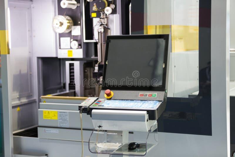 Peças do molde do corte de máquina do corte do fio do CNC imagens de stock