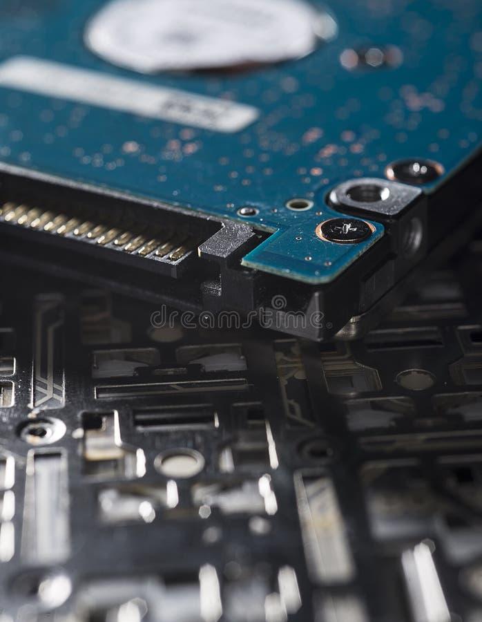 Peças sobresselentes e partes dos computadores velhos foto de stock