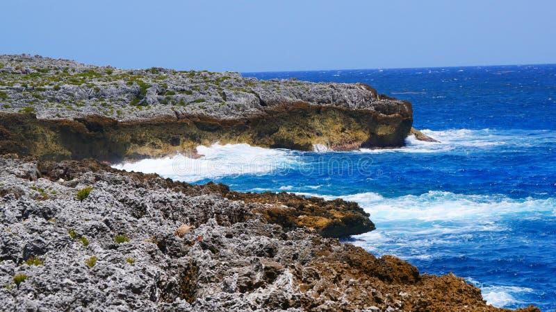Peñasco en Pedro, St James Cayman Islands en el Caribe fotografía de archivo