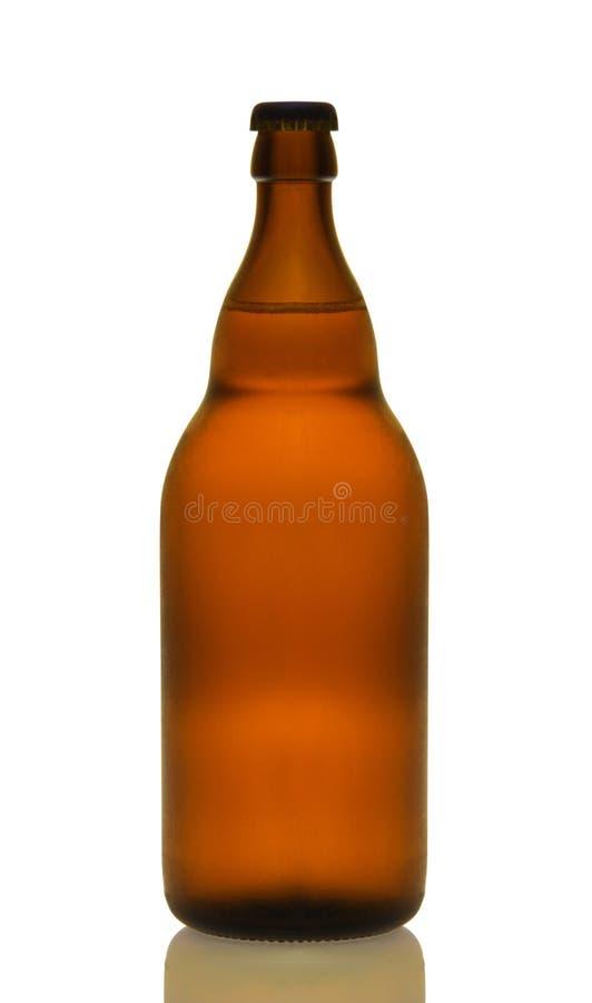 Pełna brown piwna butelka obrazy stock