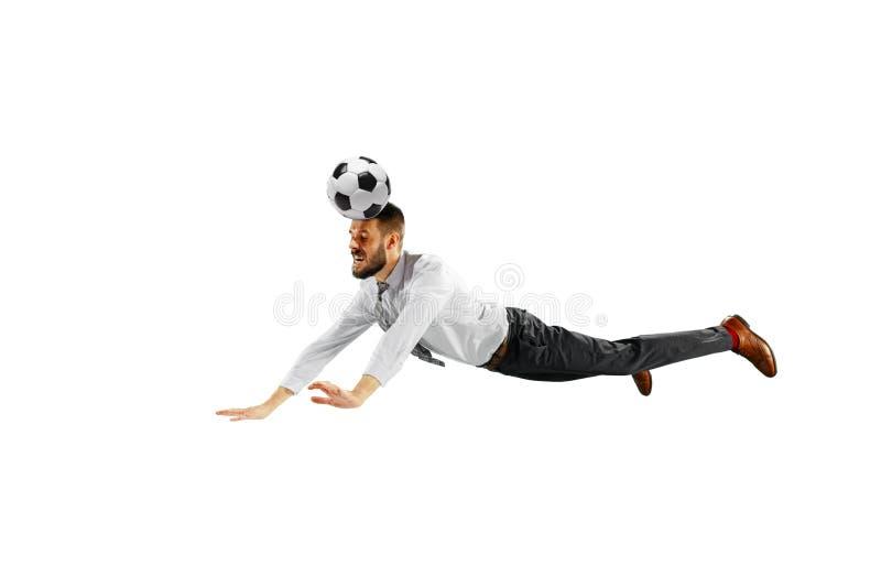 Pełna długość strzelał młody biznesmen bawić się futbol odizolowywającego na białym tle obrazy royalty free