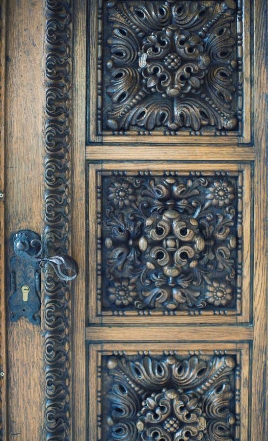 Pełnoletni stary drzwi zdjęcia stock