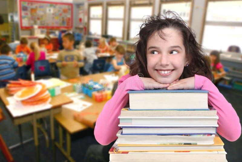 pełnoletniego dziecka odbitkowa przyglądająca szkoły przestrzeń w górę twój obrazy royalty free