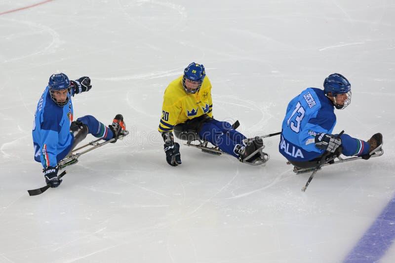 Pełnozamachowy hokej zdjęcia stock