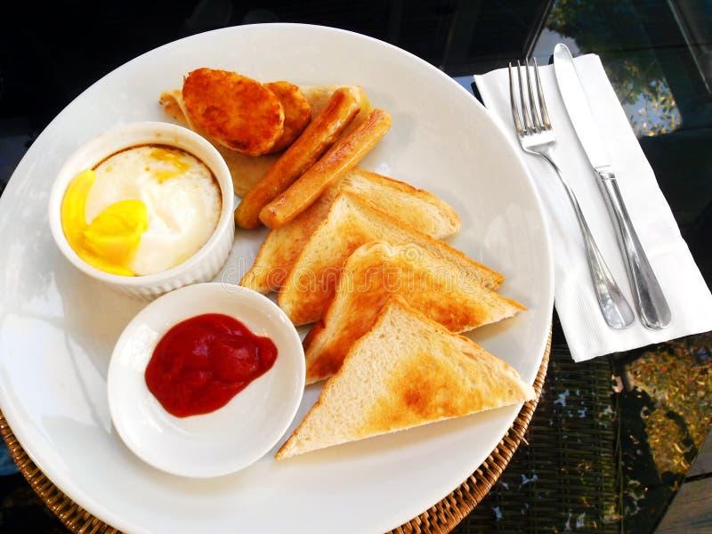 Pełny amerykański Śniadaniowy baleron i jajko zdjęcie royalty free