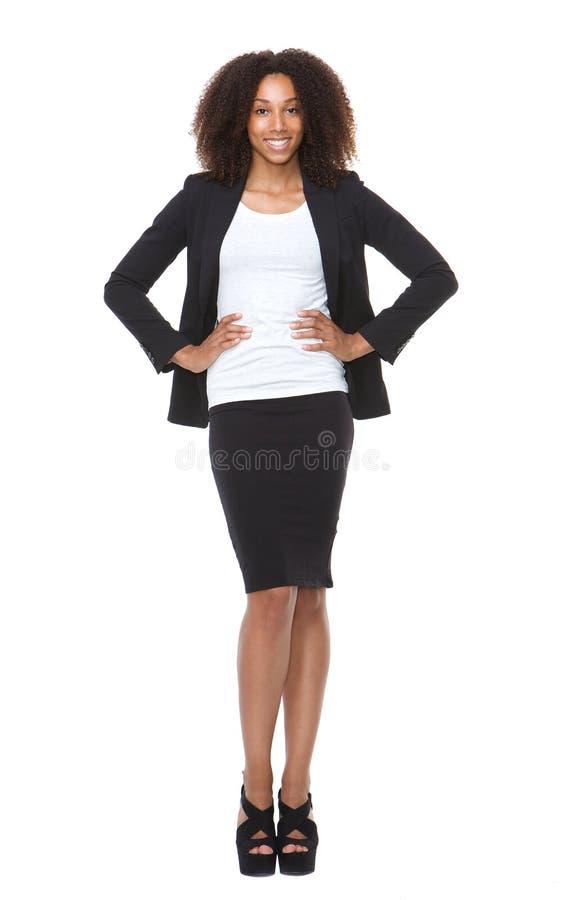 Pełny długość portret młody biznesowej kobiety ono uśmiecha się obraz royalty free