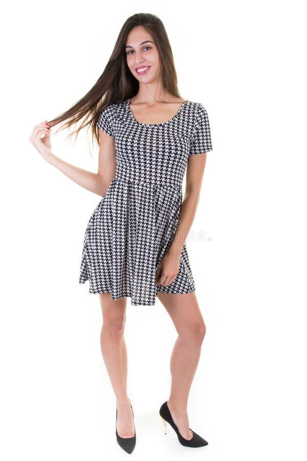 Pełny długość portret modna młoda kobieta w elegancki lato sukni ono uśmiecha się zdjęcia royalty free