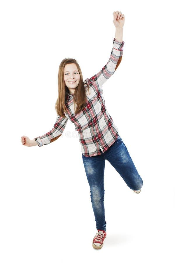 Pełny długość portret uśmiechnięta nastoletnia dziewczyna z nastroszonymi rękami up obraz royalty free