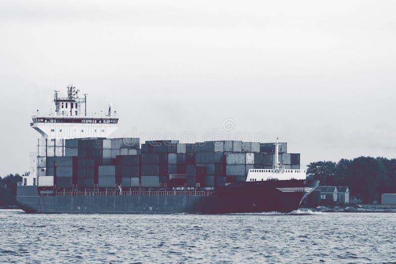 Pełny zbiornika statek zdjęcia stock