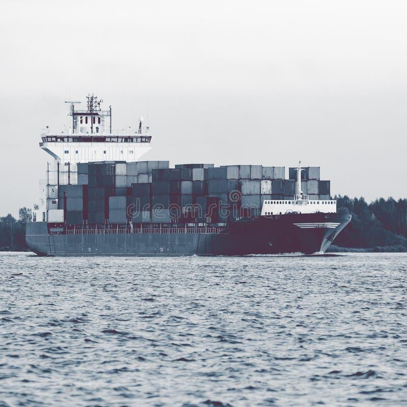 Pełny zbiornika statek zdjęcia royalty free