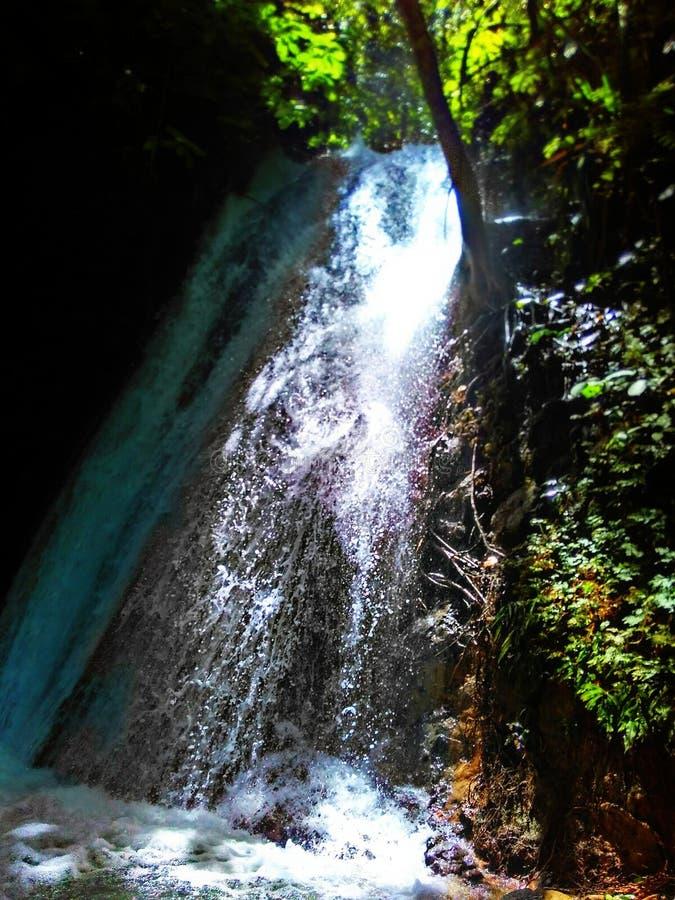 Peacefull vattenfall royaltyfri foto