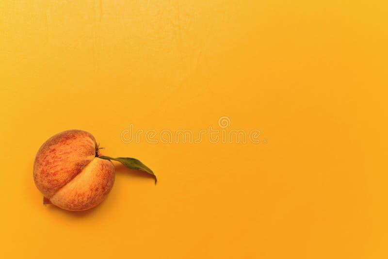 peach ripe στοκ φωτογραφία
