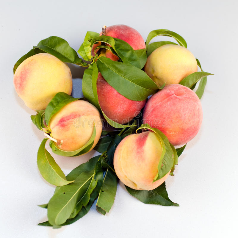 Free Peaches On Table Royalty Free Stock Images - 15384099