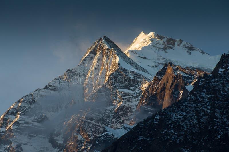 Peack Annapurna южное в Непале Гималаях стоковое фото rf