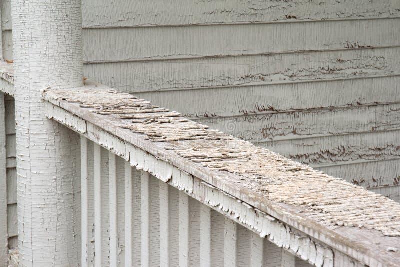 Pealing farba na starym domu zdjęcie stock