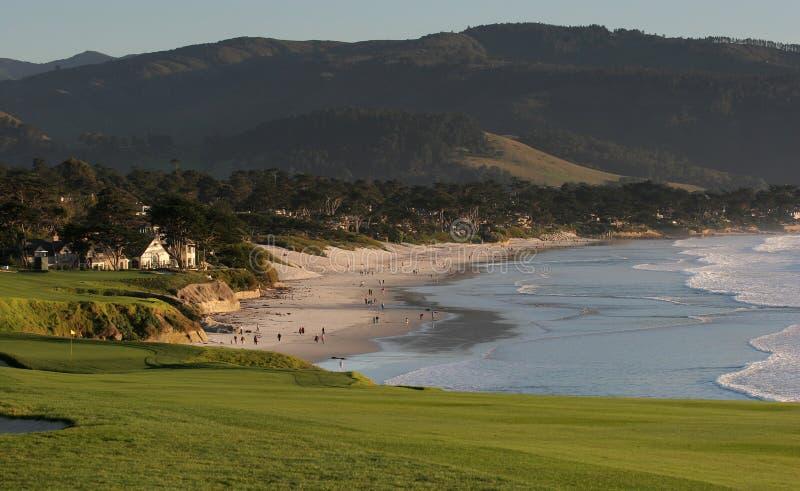 pebble för golf för strandca-kurs arkivbilder