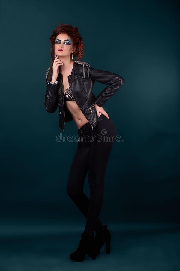 Pecho hermoso de la mujer joven en sujetador imagen de archivo libre de regalías