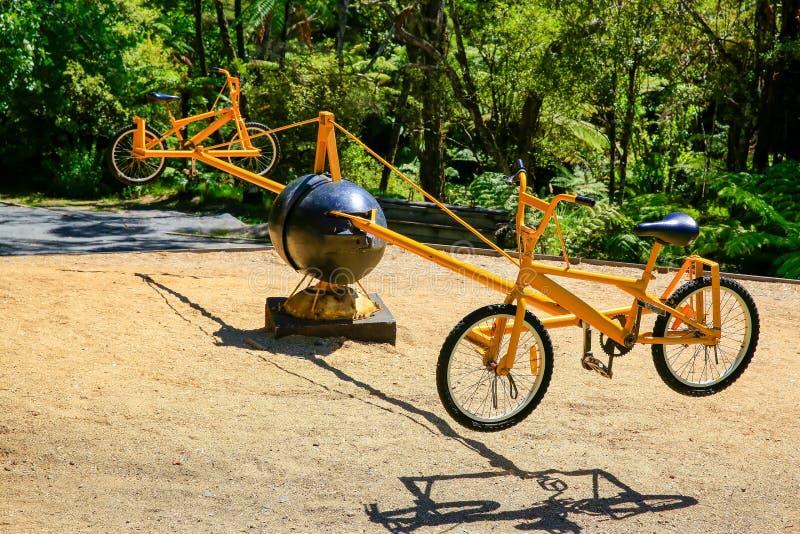 Pedaal het Aangedreven slingeren & x27; bicycle& x27; rotonde royalty-vrije stock foto's