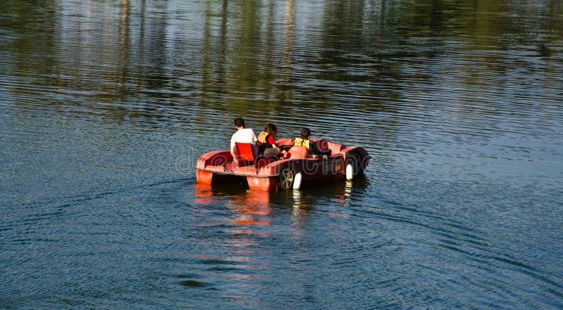 Pedaalboot stock afbeelding