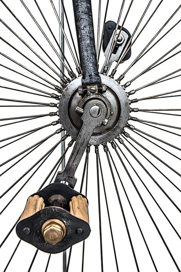 Pedais na roda alta de uma bicicleta histórica fotografia de stock royalty free