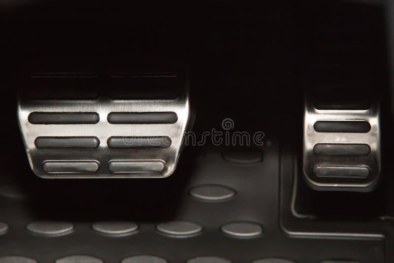 Pedales del coche deportivo imagen de archivo