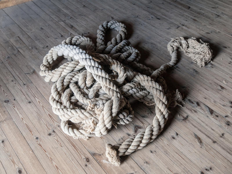 Pedazo de cuerda cortada fotos de archivo