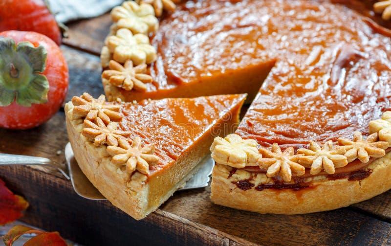 Pedazo de pastel de calabaza americano tradicional imagen de archivo
