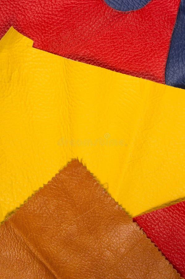 pedazos coloreados, y pedazos del cuero natural fotografía de archivo libre de regalías