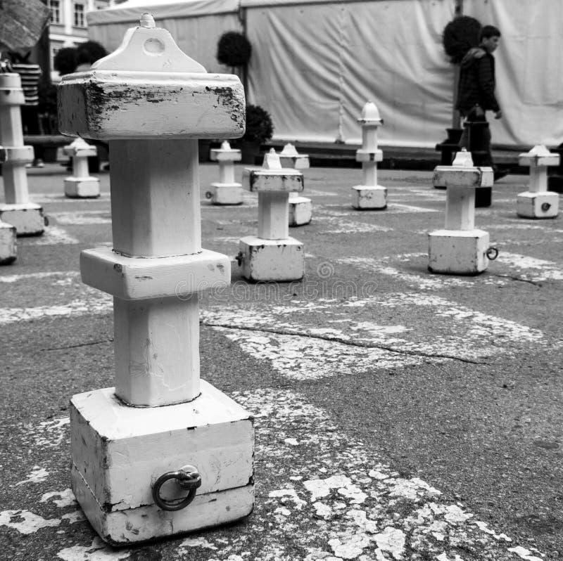 Pedazos de ajedrez en las calles de Salzburg, Austria fotografía de archivo libre de regalías
