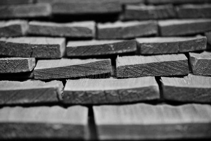 Pedazos de madera apilados junta fotos de archivo libres de regalías