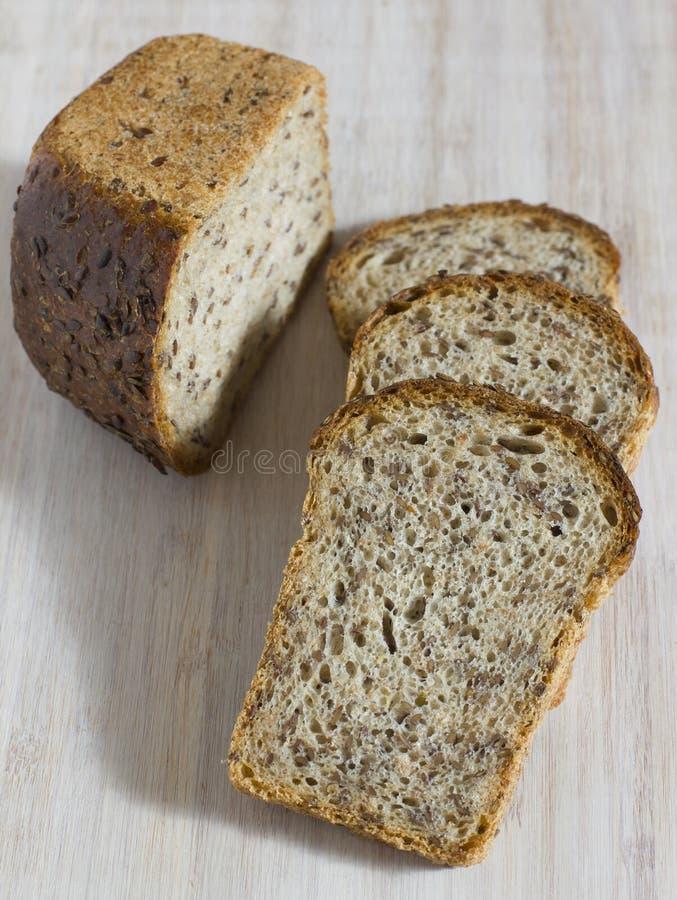 Pedazos de pan del grano sin levadura fotos de archivo libres de regalías