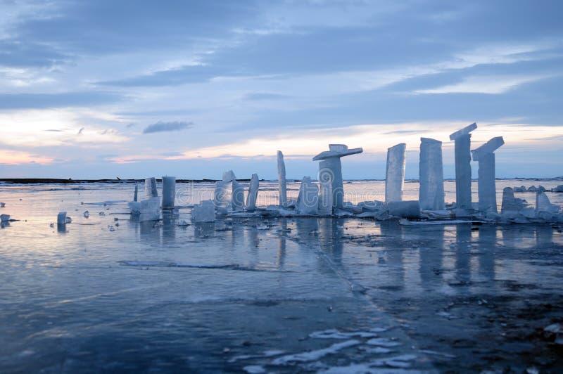 Pedazos transparentes de hielo fotos de archivo libres de regalías